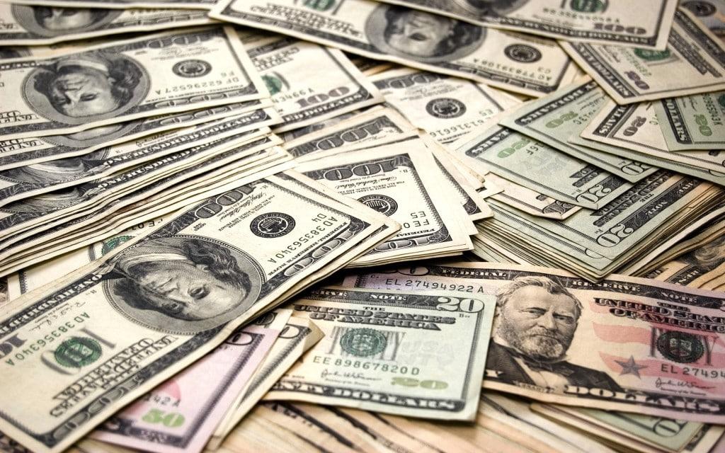 С какого года принимаются доллары в россии