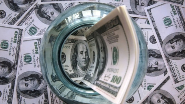 Курс доллара постоянно растет