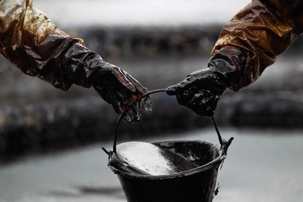 Нефть влияет на курс валют