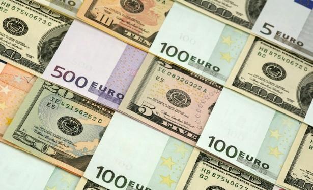 Основными валютами мира являются доллары и евро