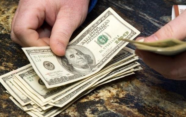 Доллар стабильно дорожает