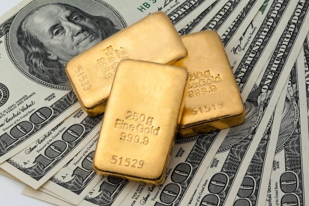 На смену доллару придет золото